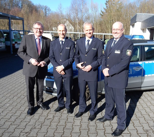 Photo of Führungswechsel bei den Polizeiwachen in Olpe und Lennestadt