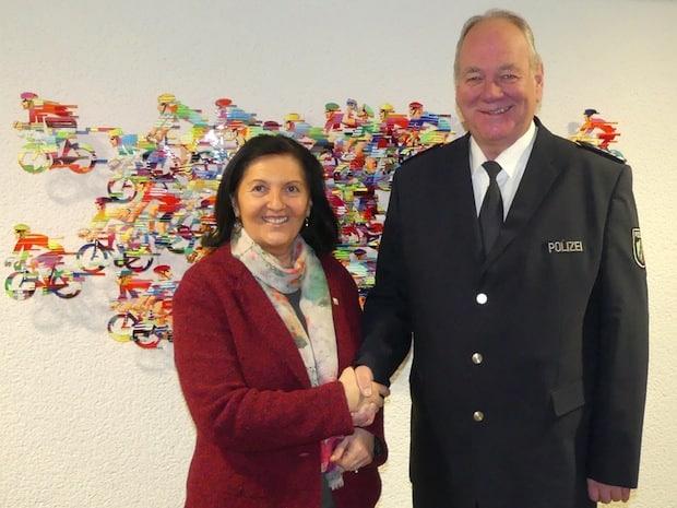 Photo of Warstein – Wachleiter in den Ruhestand verabschiedet