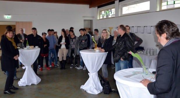 Reinhard Meng begrüßte die Gäste zur offiziellen Einweihung des so genannten Verselbststäändigungszentrums für unbegleitete minderjähri-ge Flüchtlinge in Holthausen.Quelle: Diakonie Mark-Ruhr gemeinnützige GmbH