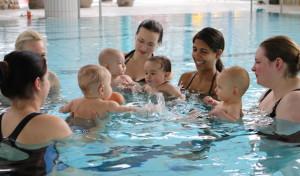 Neunkirchen: Beim Babyschwimmen kann die Bewegungsfreude ausgelebt werden