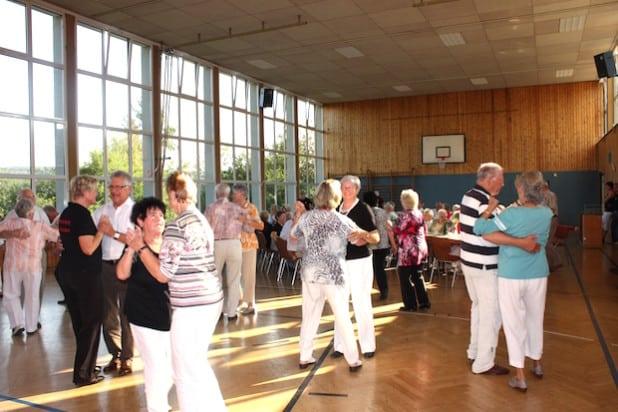 Flotte Klänge spielt die Burbacher Seniorenband beim Tanznachmittag am 17. April in der Turnhalle Holzhausen (Foto: Gemeinde Burbach).