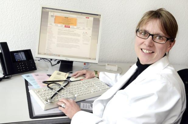 Dr. Ute Gröblinghoff ist neue Leiterin des Sachgebiets Gesundheitsschutz. Nach 13-jähriger Tätigkeit im Marienkrankenhaus Soest wechselte sie ins Kreishaus (Foto: Thomas Weinstock/Kreis Soest).