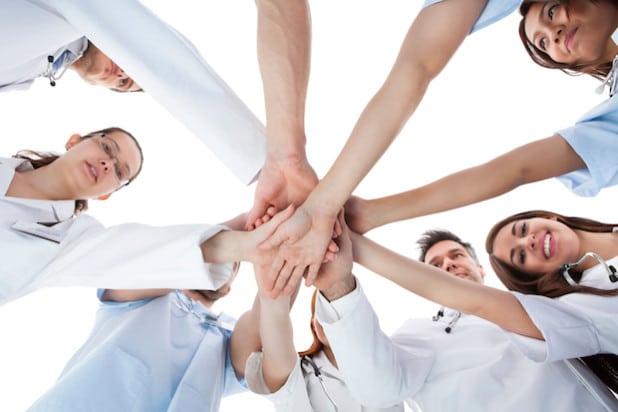 Foto: Teamarbeit ist das A und O im Stationsablauf - Quelle: St. Franziskus-Hospital gGmbH