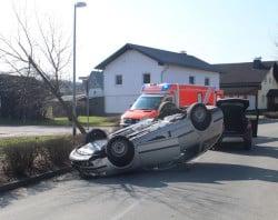<b>Drei Verletzte bei Verkehrsunfall</b>