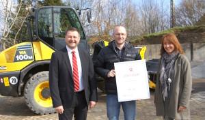 Arbeitsagentur verleiht Ausbildungszertifikat an Schmidt Tief- und Straßenbau in Wenden