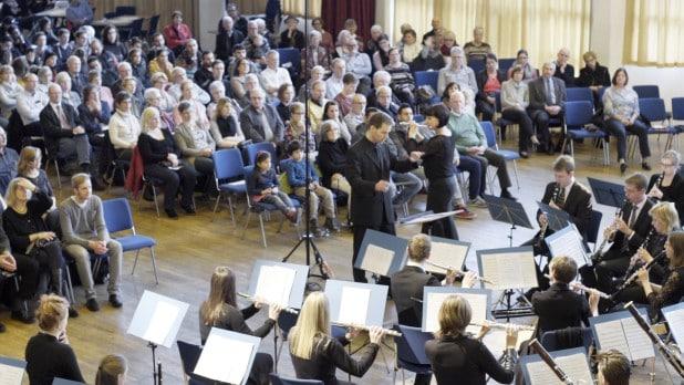 Westfalen Winds vor 400 Zuhörern in der Kurhalle Bad Fredeburg. Foto: Nils Coenen