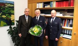 Hochsauerlandkreis: Landrat Dr. Schneider verabschiedet Rudolf Figgen in einen Auslandseinsatz