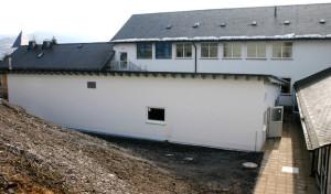 Sanitärgebäude für 450 Flüchtlinge wird pünktlich Mitte März fertiggestellt