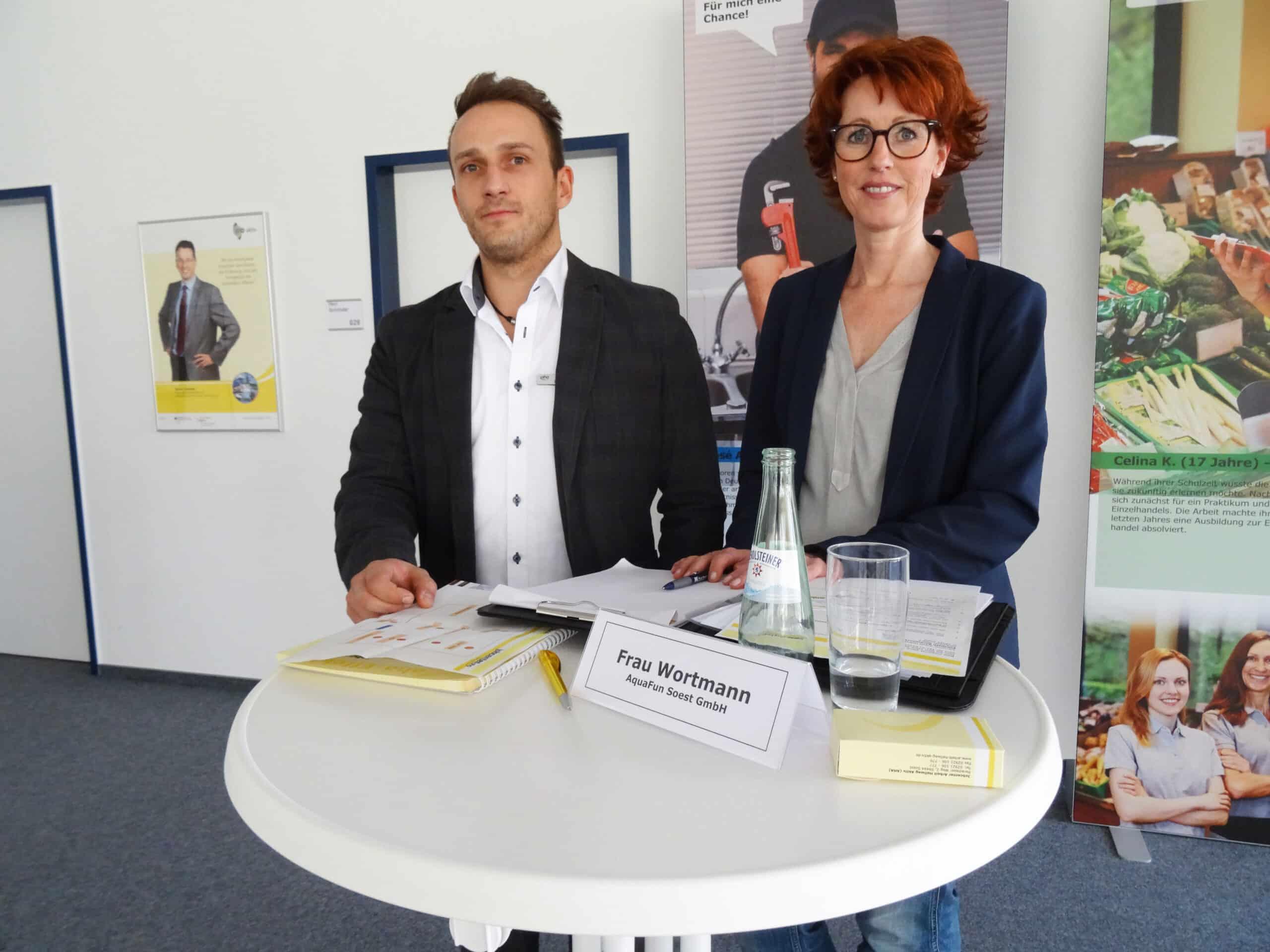 """Photo of Soest: """"Es profitieren immer zwei"""" –  Job-Speed-Dating bringt Arbeitgeber und Bewerber zusammen"""