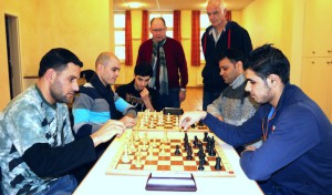 Neunkirchen: Syrische Flüchtlinge lernen Schach – und Deutsch