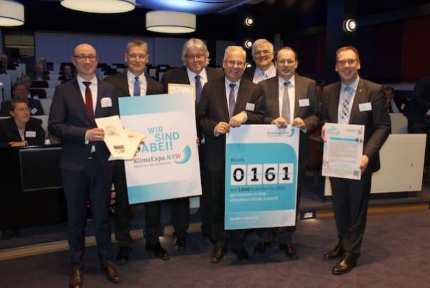 Die Firma Trilux wurde im Rahmen des Standortforums als 166. von 1000 Schritten in die KlimaExpo.NRW aufgenommen. (Foto: Südwestfalen Agentur/Christian Janusch)