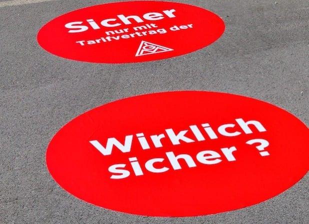 """Sorgten für Diskussionen im Betrieb: Die plötzlich aufgetauchten """"roten Punkte"""". Quelle: IG Metall Arnsberg"""