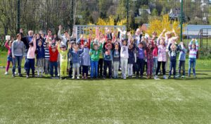 Meschede – Freigegeben: Neues Kleinspielfeld an Schule unter dem Regenbogen