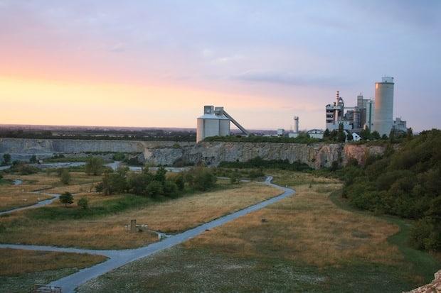 """Blick in den Park """"Mythos Stein"""". Foto: Raker"""