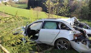 Olpe: Verkehrsunfall mit drei verletzten Personen