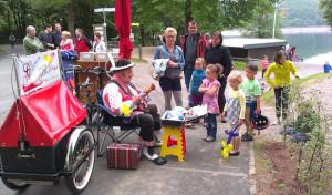 Pfingstsonntag in Attendorn: Familienfest auf dem Biggedamm