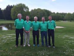 Der Werler Mannschaft mit (von links) Friedel Humpert, Reinhard Raskin, Frank Mack, Rainer Clöer und Reinhard Neitzke belegt in der AK 50 derzeit den zweiten Tabellenplatz der vierten Liga. Quelle: GC Werl e.V.
