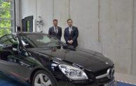 Iserlohn: Daimler AG unterstützt Lehre mit einem Spendenfahrzeug