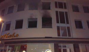 Zehn Verletzte nach Wohnungsbrand in Alt-Arnsberg