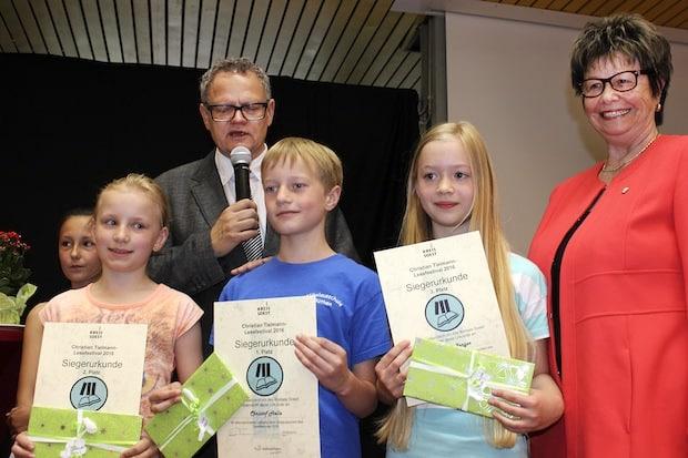 Photo of Soest: Medienzentrum prämiert die Besten aus fast 3.000 Vorlesern und 85 Nachwuchsautoren