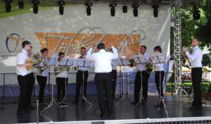 """Horn-Ensemble """"Iserlohn Horn Power"""" der Musikschule besuchte die ungarische Partnerstadt Nyíregyháza"""