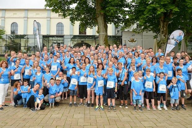 Photo of Lüdenscheid: Über 300 Laufbegeisterte in blauen Busch-Jaeger-Shirts