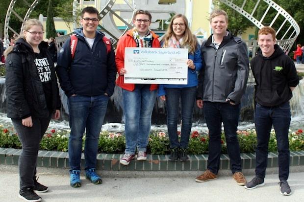 Photo of Hochsauerlandkreis: Volksbank Sauerland spendet 250 Euro für die Jugendarbeit der KjG