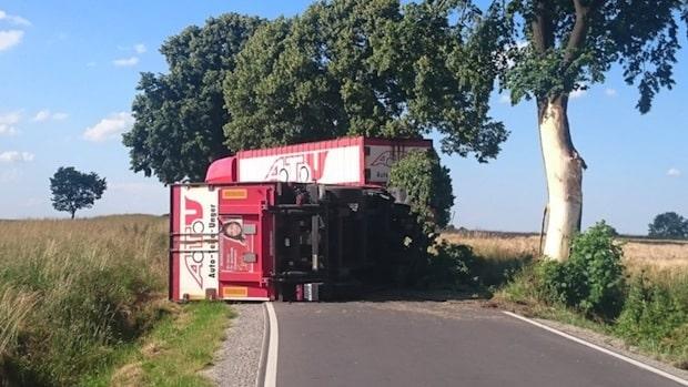 Photo of Werl: Vollsperrung nach LKW Unfall