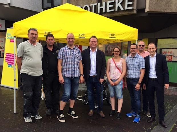 Photo of Gemeinsamer Infostand von FDP und CDU Meinerzhagen