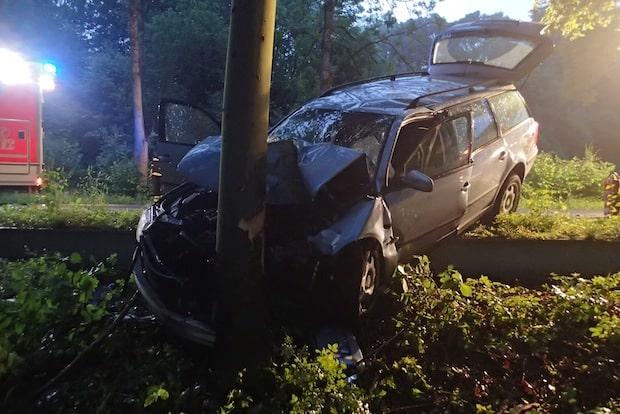 Photo of Schwerer Verkehrsunfall auf Bundesstraße 236 in Plettenberg