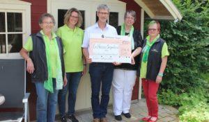 150 Liter Waffelteig für gute Sache: Siegen-Wittgensteiner Landfrauen unterstützen Ev. Hospiz Siegerland mit 1000 Euro