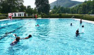 Winterberg: Naturnaher Ferienspaß für Kids im Wald, am Bach und im Freibad