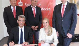 Fusionsverträge unterschrieben: Sparkassen Hagen und Herdecke schließen sich zusammen