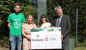 """Krombacher Brauerei spendet 2.500 Euro an die studentische Initiative """"Refugees Welcome Siegen"""""""