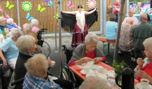 Freudenberg: Sommerfest animiert zum Tanzen und Mitsingen