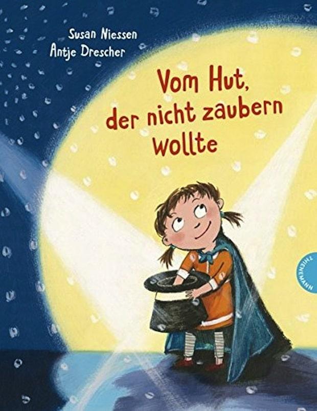 """Photo of Vorlesespaß in Hagen mit einem """"Hut, der nicht zaubern wollte"""""""