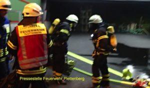 Plettenberg: Brand in Produktionsanlage eines Industriebetriebes – Mitarbeiter galt zunächst als vermisst