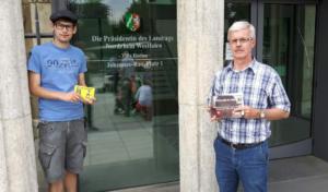 """ALFA im Kreis Olpe: Köster und Hennes bei """"Mission Regierungszeugnis"""" vor Ort in Düsseldorf"""