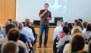 """Medienseminar der IHK Siegen: """"Reden unter Stress"""" und trotzdem gut ankommen"""