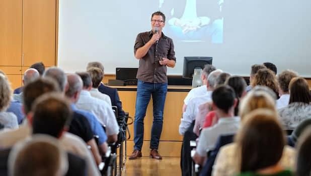 """""""Reden unter Stress"""" – ein Thema, dem sich Burkhard Hupe bei der IHK Siegen widmete - Quelle: Industrie- und Handelskammer Siegen"""