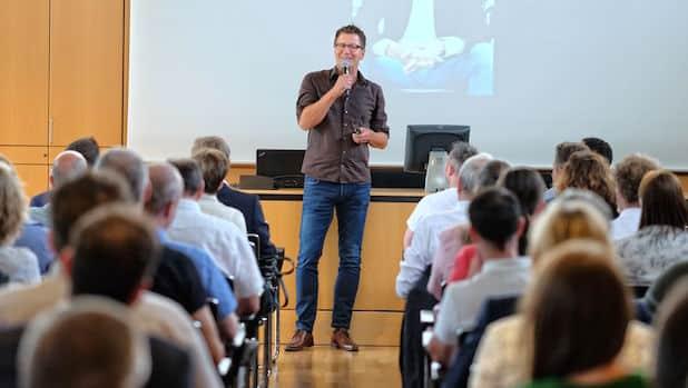"""Photo of Medienseminar der IHK Siegen: """"Reden unter Stress"""" und trotzdem gut ankommen"""