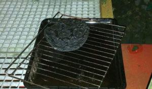 Plettenberg: Pizza im Backofen vergessen – Verdacht auf Rauchgasinhalation