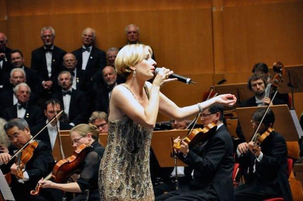 Photo of Jaques Offenbach Orchester mit Adrienne Haan am 25.8. auf dem Olper Marktplatz