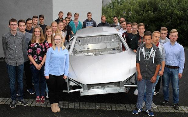 Photo of 27 neue Auszubildende und Studenten bei EJOT