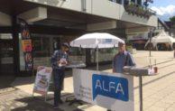 Lennestadt: ALFA präsentiert Schulzeugnis für Hannelore Kraft auf Stadtfest