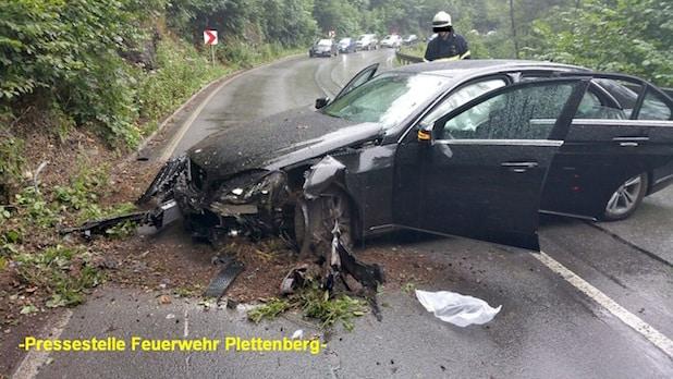 Photo of Plettenberg: Verkehrsunfall auf der B236 mit vier leicht Verletzten