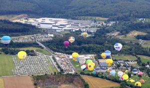 Warsteiner Internationale Montgolfiade 2016: Bestes Ballonfahrerwetter zum Auftakt
