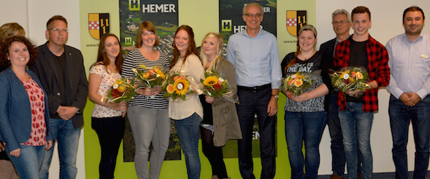 Photo of Sechs neue Auszubildende bei der Stadt Hemer begrüßt