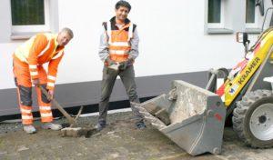 """Bestwig: Flüchtlinge unterstützen den Bauhof: """"Das ist Integration praktisch gelebt"""""""
