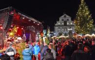 Lebkuchen und Livesound: 10 Jahre Weihnachtsmarkt  auf dem  Briloner Marktplatz